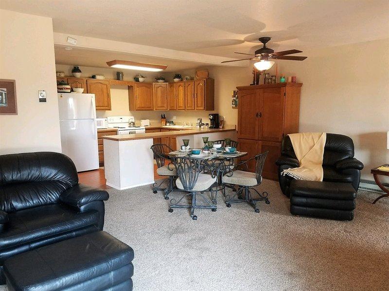 Fancy Fox  Fancy Fox - Cozy Cabins Real Estate, LLC., holiday rental in Nogal