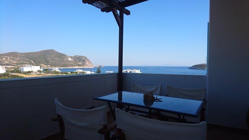 Antiparos luxury apartment 3, holiday rental in Agios Georgios