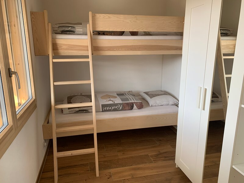 Extra room with bunk beds