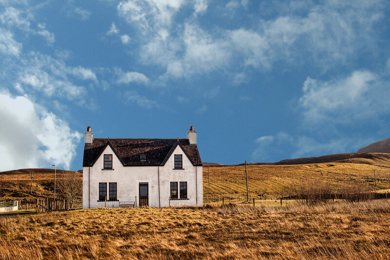 Contemporary Scottish Cottage, holiday rental in Kilmaluag