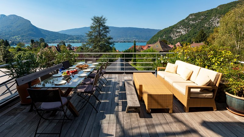 Talloires Bay View Terrace House, holiday rental in Talloires