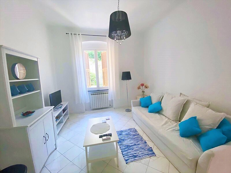 Terminal Apartment, holiday rental in Neirone