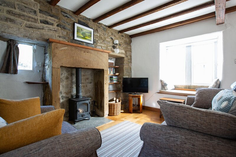 End Cottage, romantic and stylish!, holiday rental in Bakewell