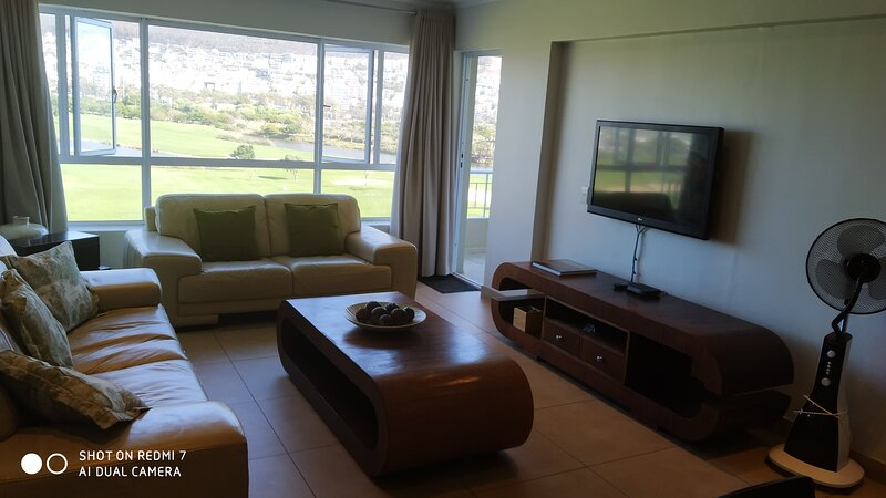 Mouille Point accommodation 2 Bedrooms for 4 peoples, holiday rental in Green Point
