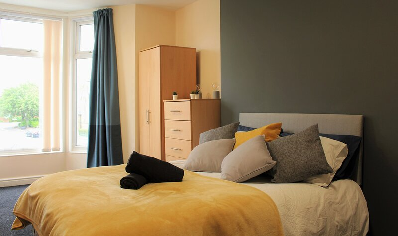 ⭐SERVICED APARTMENT HEATON⭐CLOSE TO EVERYTHING ⭐AMENITIES & TRAVEL LINKS, holiday rental in Hebburn