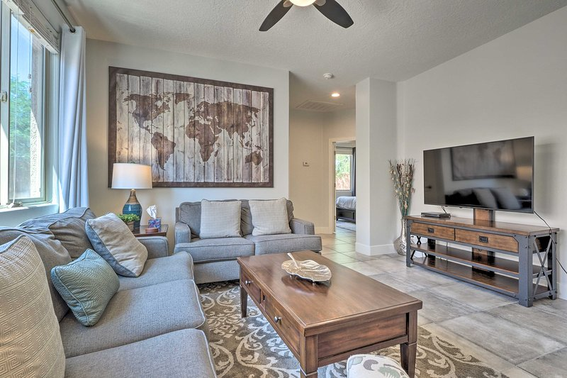 Enjoy this upscale, modern abode during your Mesquite getaway!