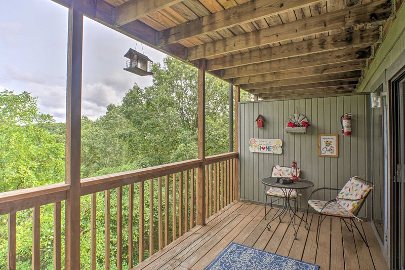 NEW! Family Getaway - 1 Mi to Silver Dollar City!, vacation rental in Indian Point