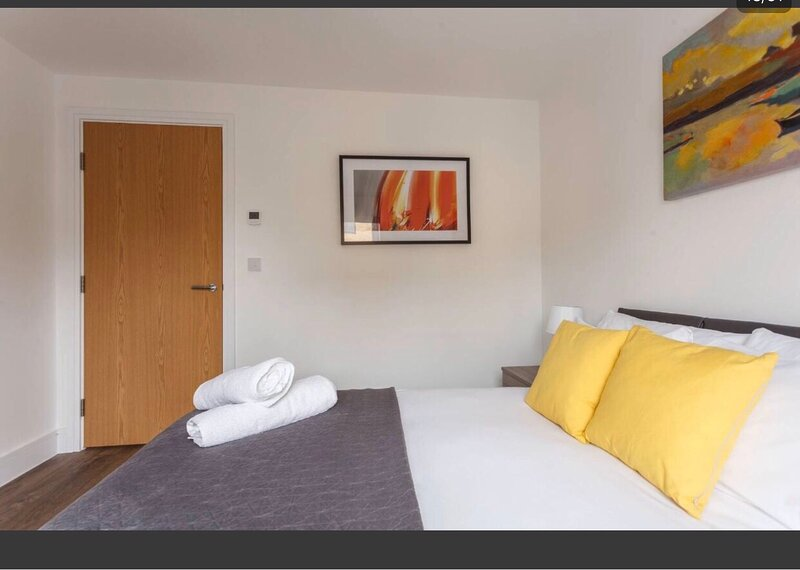 2-Bed Apartment in Southampton with free parking, alquiler de vacaciones en Southampton