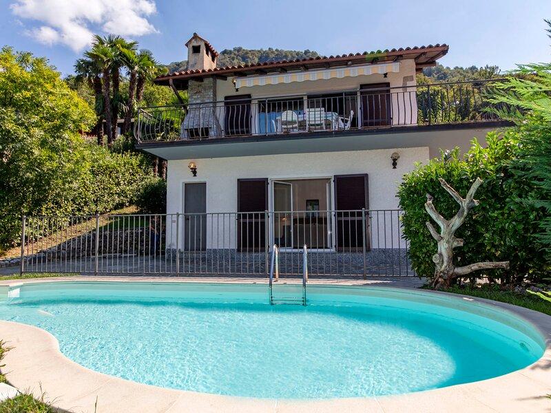 Amanda (PVA355), vacation rental in Porto Valtravaglia