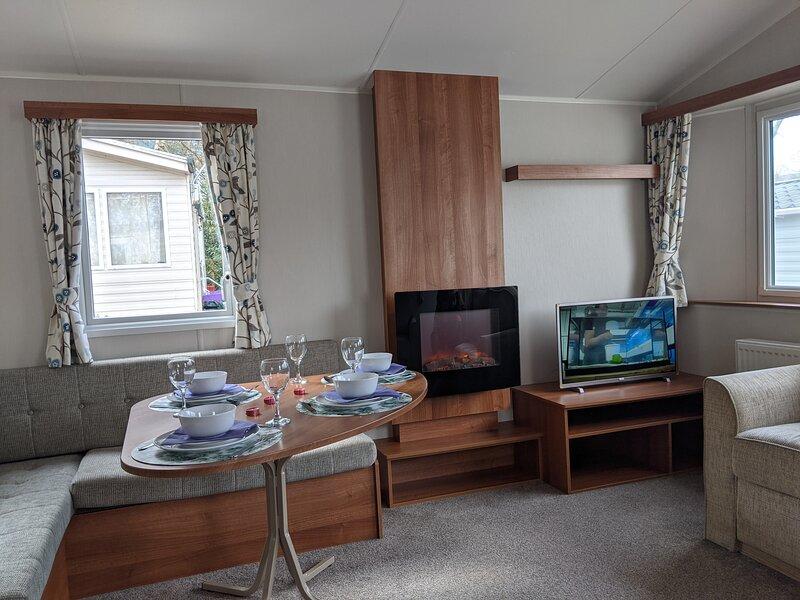 Caravan nearby Hastings, Coghurst Hall Park, vacation rental in Icklesham