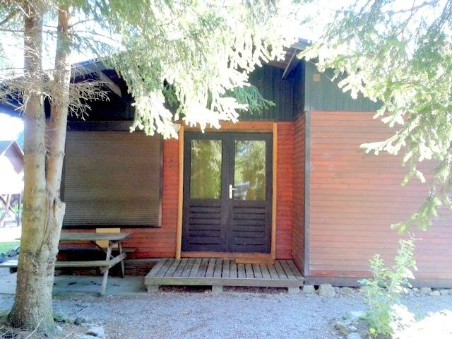 Nice chalet with mountain view, holiday rental in Resteigne