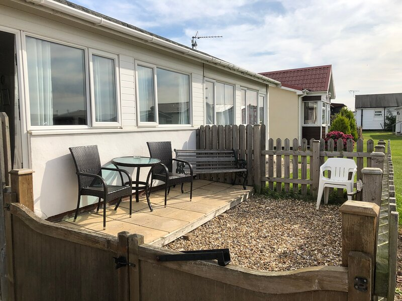 Zac's Shack - Self Contained chalet with 2 bedrooms, vacation rental in Bridlington