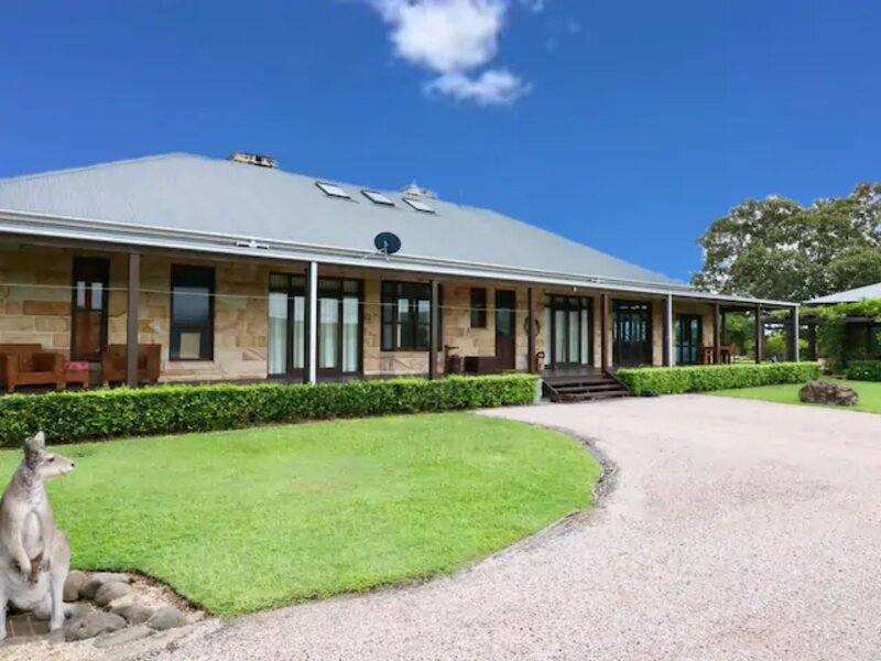 ★Highfield Ranch House★ Farm Experience sleeps 28, holiday rental in Mount Warning