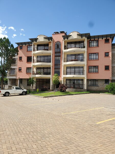 Royal Strata House, vacation rental in Laikipia County