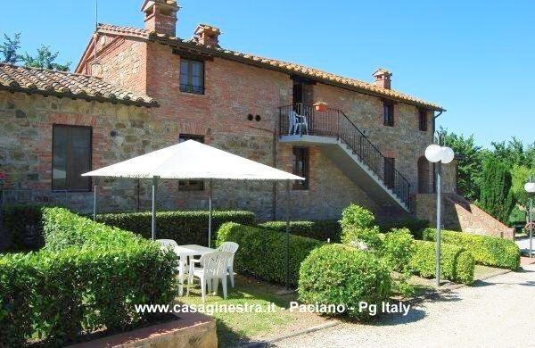 Casa Vacanza la Ginestra con piscina  - Paciano, holiday rental in Paciano
