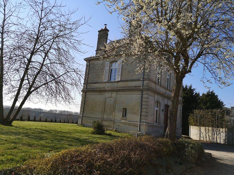 Maison Mury, un bol d'air frais en famille ou entre amis à 100km de Paris, holiday rental in Hartennes-et-Taux