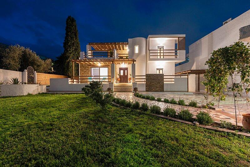Kalymnos Design Gem-Up to 12ppl Dreamy Getaway, holiday rental in Kefalos