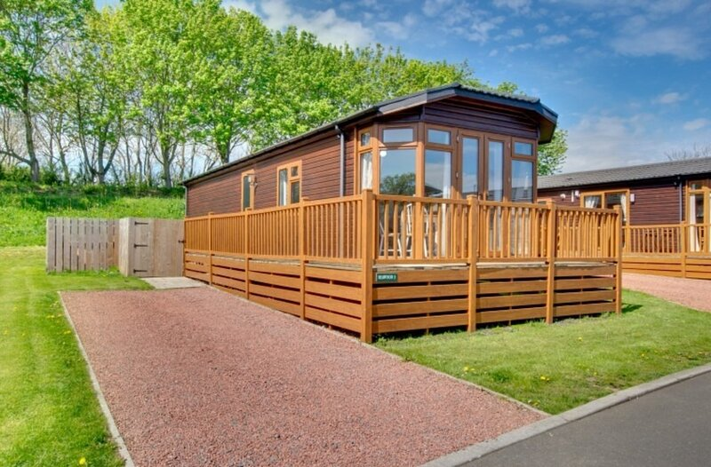 Bluebell Hot Tub Lodge, holiday rental in Stanton