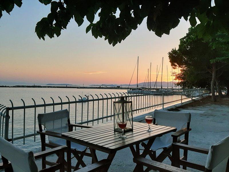 Melia studio 1 seafront apartment, vacation rental in Skopelos