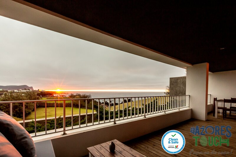 Quinta do Mar - Watch The Sun Rise Over The Ocean, holiday rental in Santa Barbara