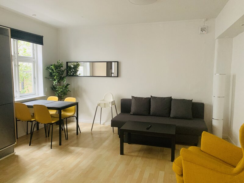 Adnana - Knudsgade Apartment Suite, holiday rental in Gistrup