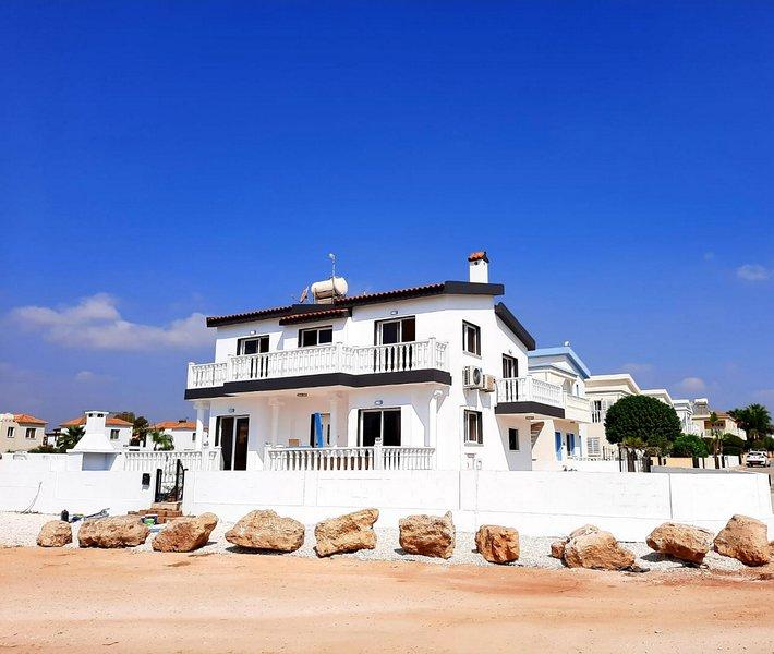 Villa Suncity Boutique Seafront, holiday rental in Liopetri