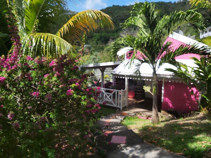Residence CaZmeti'C - Bungalow Alizes - piscine - F1 duplex, Ferienwohnung in Martinique