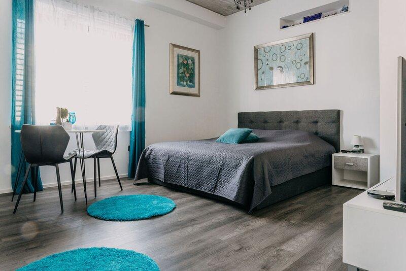 Lora & Lana Resort / Blue Grand Studio, holiday rental in Domzale