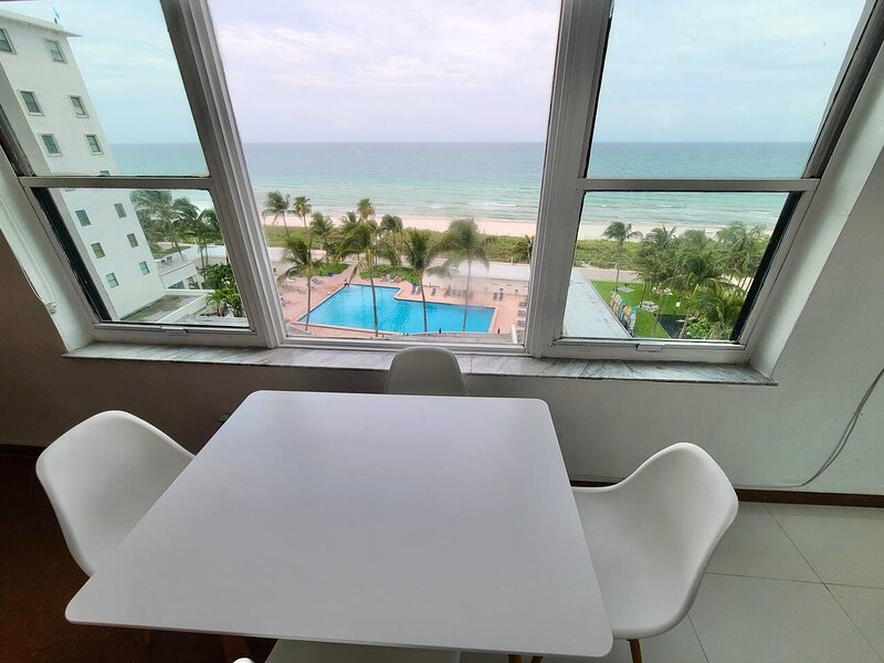 Beach Front Studio Miami, vacation rental in North Bay Village