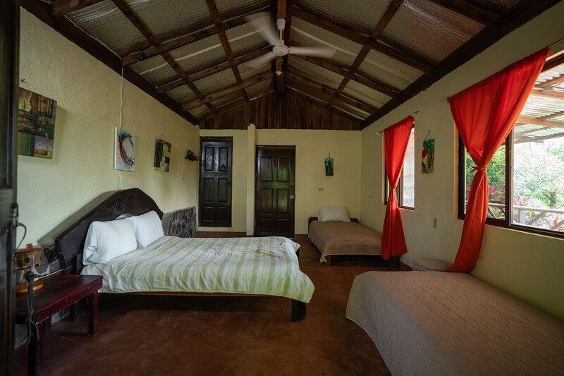 Volcano view cabin, holiday rental in La Tigra