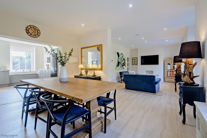 Stylish Cotswold Holiday Home in Fairford, vacation rental in Fairford