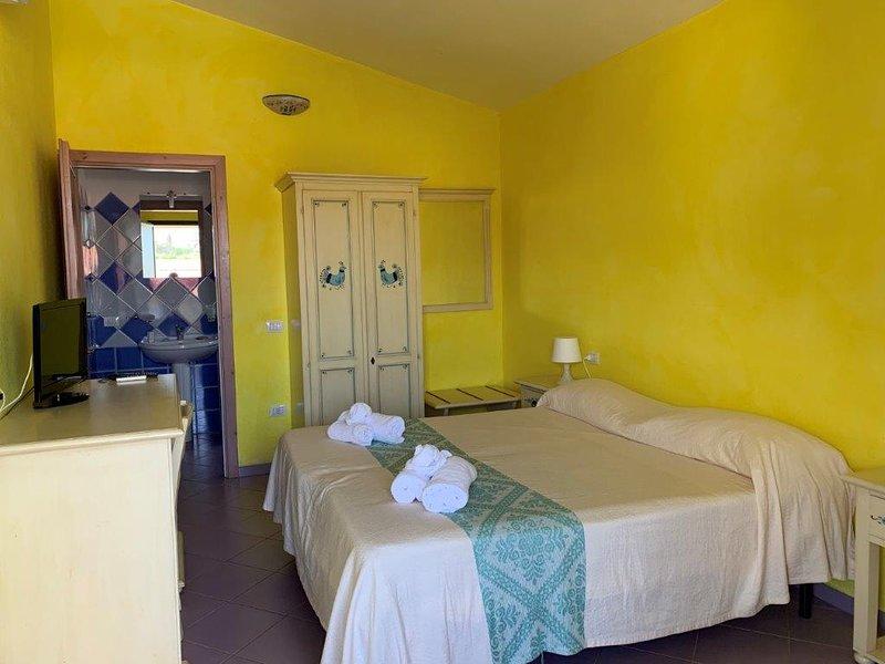 Appartamento Giada - vicino al mare della Sardegna con Piscina, holiday rental in La Ciaccia