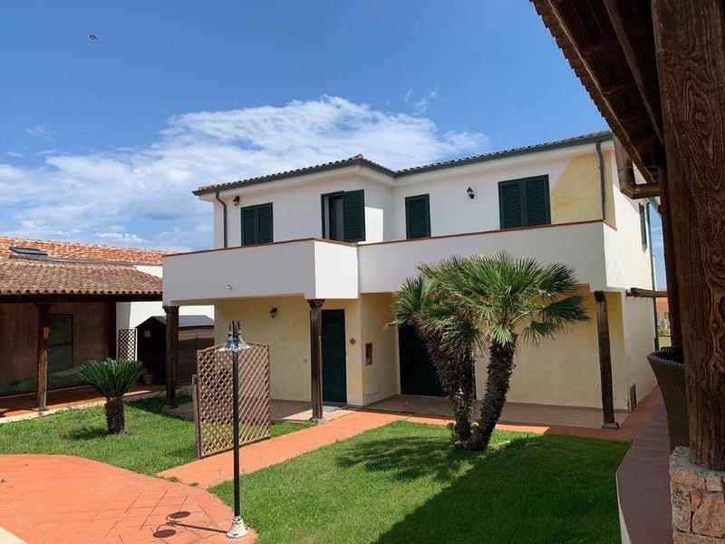 Naomi - Bellissimo Appartamento per 4 Persone vicino al Mare, holiday rental in Sedini