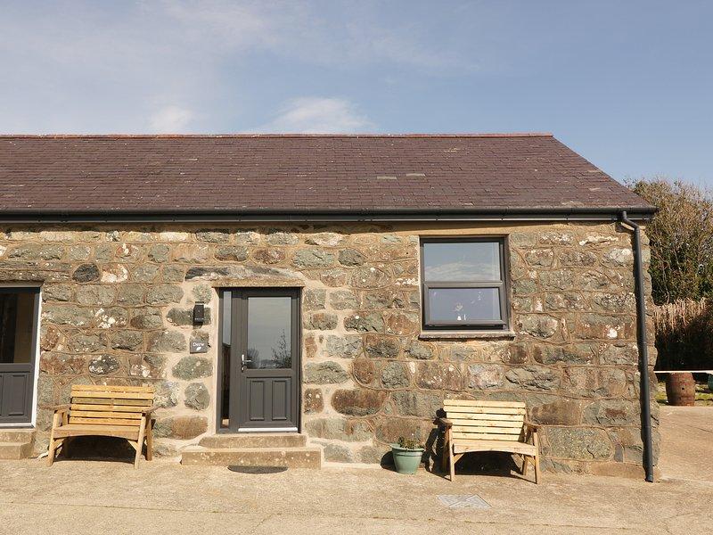 Tyddyn Sianel - Derw, Criccieth, holiday rental in Llanystumdwy