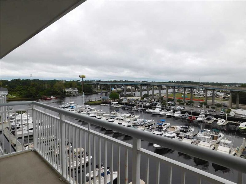 Harbourgate Marina #602, vacation rental in Longs