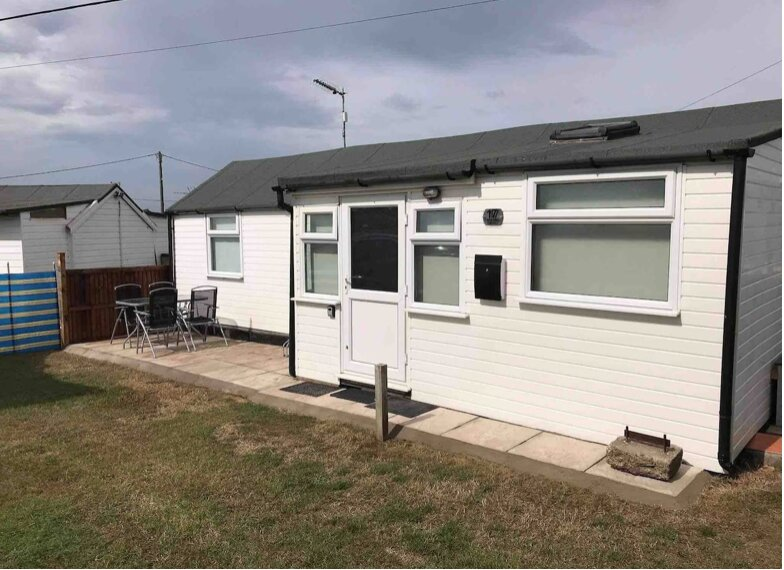 Staycation Chalets, Number 17, Bacton, vacation rental in Worstead