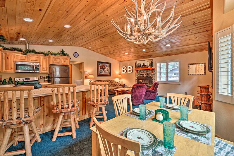 NEW! Brilliant Big Bear Cabin: Walk to Snow Summit, vacation rental in Moonridge