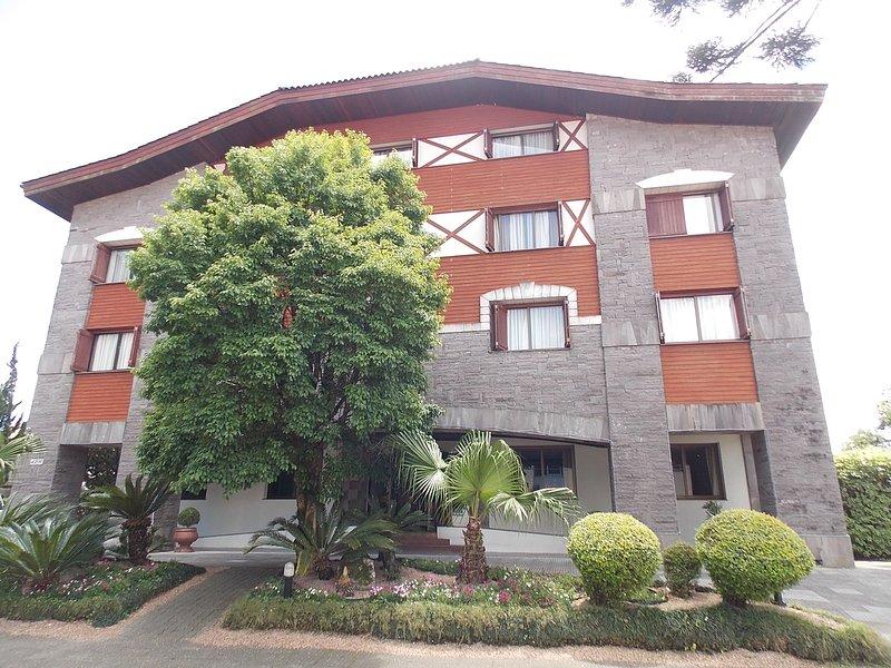 Apart-hotel com Spa, piscina térmica, sauna, lareira., vacation rental in Gramado