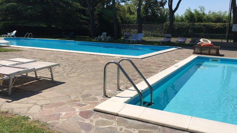 white houseun sogno in citt, holiday rental in Torbole Casaglia