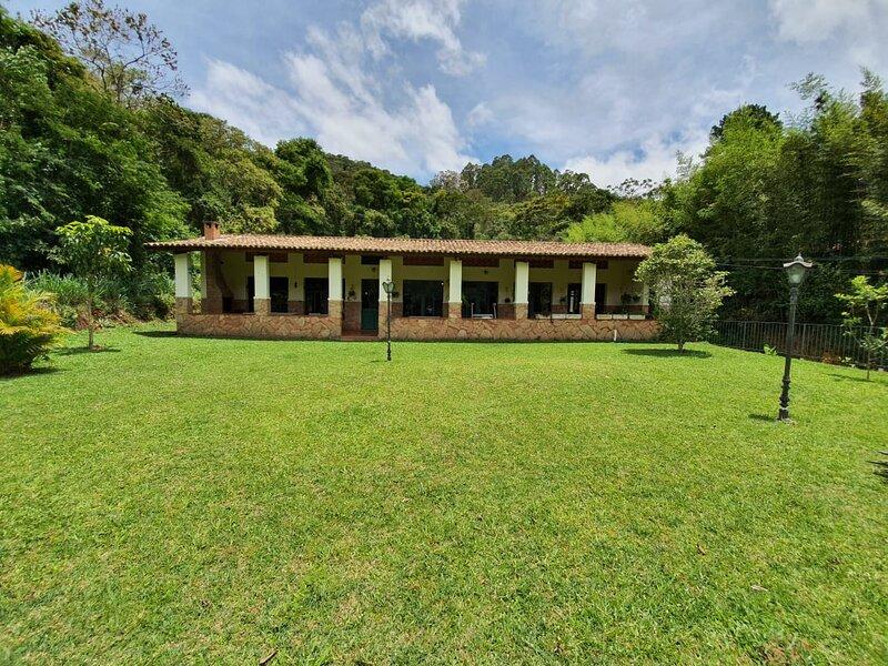 Pineapples- (Frib174): Deliciosa casa de campo, holiday rental in Nova Friburgo