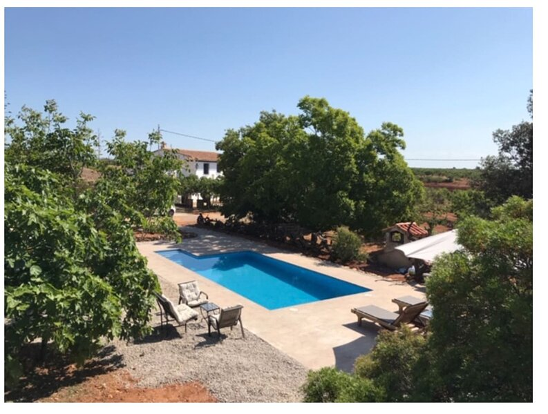 Spacious villa with swimming-pool, holiday rental in Benlloch