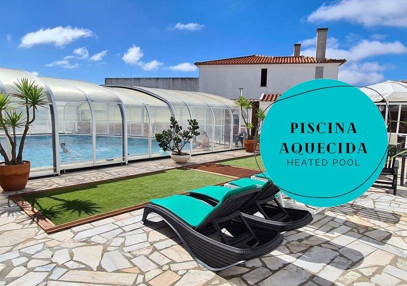 Dii Beach House Villa com piscina aquecida Santa Cruz/Ericeira, Ferienwohnung in Carvoeira