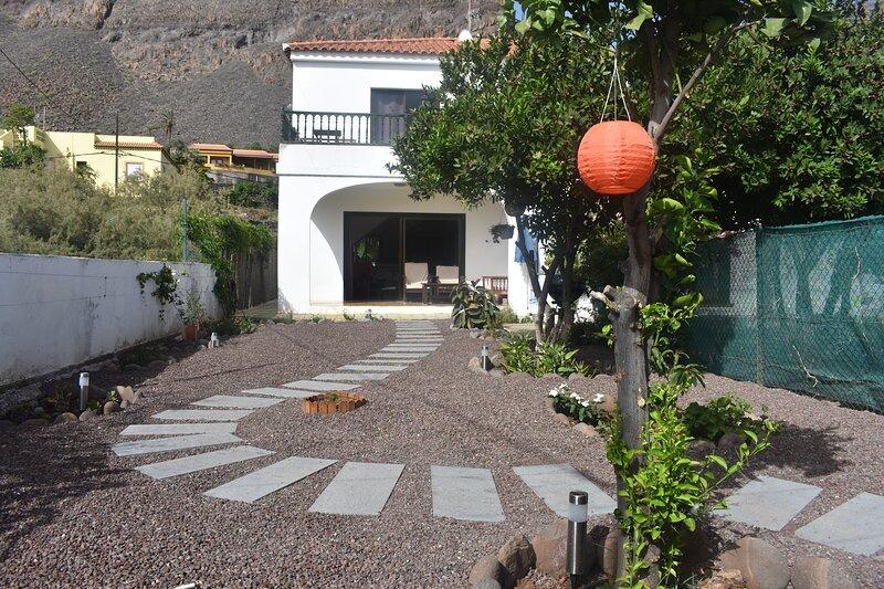 Exclusivo adosado Medanos C 100 mts de la playa, vacation rental in La Gomera