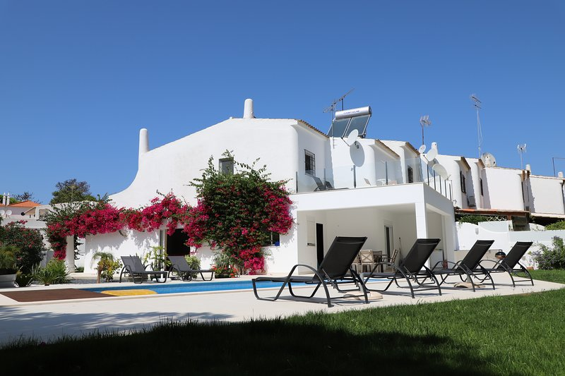 Douchka, holiday rental in Loule