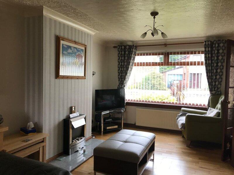 Inviting 3-Bed House in Inverness, aluguéis de temporada em Allanfearn