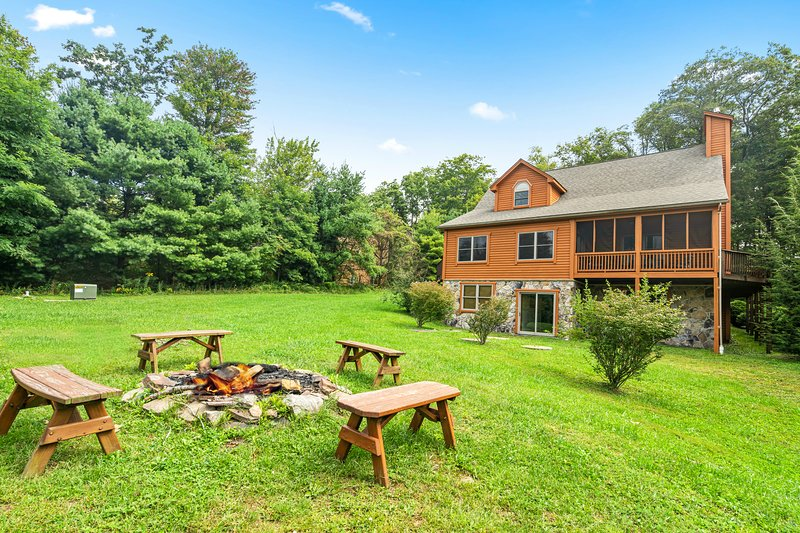 Windysun West, vacation rental in McHenry