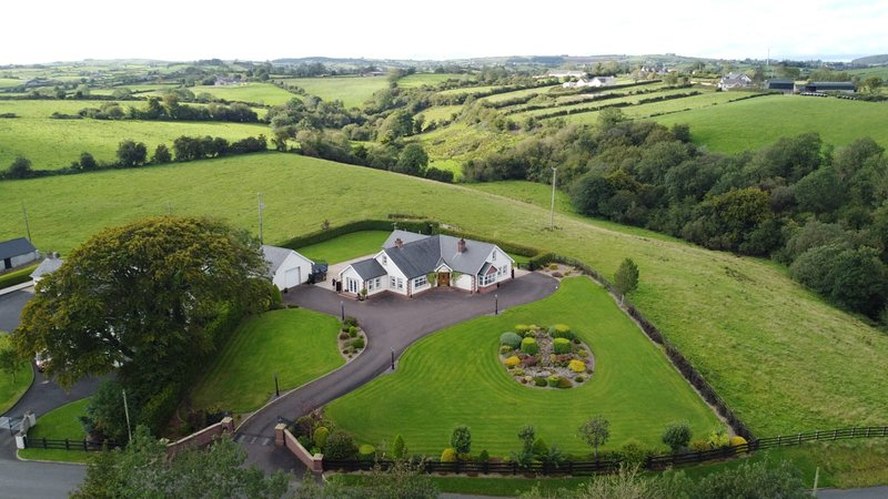 Tranquil Countryside Bungalow, holiday rental in Stewartstown