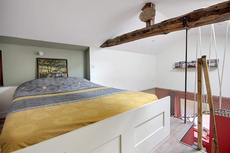 La Casa Dorée, holiday rental in Lozanne