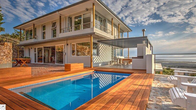 STUNNING KAI MAUIA BEACH VILLA  - CAPE TOWN, vacation rental in Noordhoek