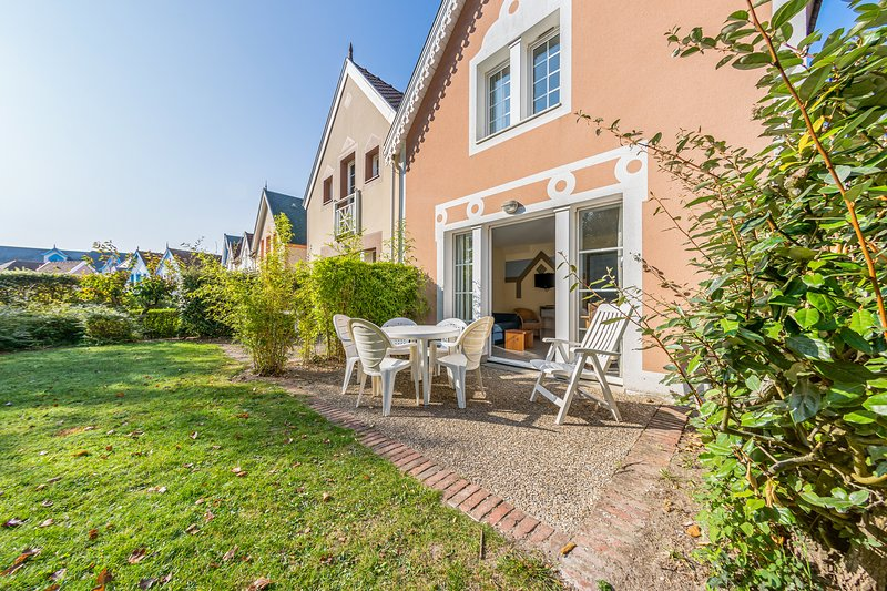 Nice house with terrace, vacation rental in Fort-Mahon-Plage